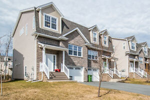 Conveniently located move-in ready home in West Bedford!