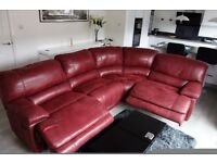 Mint condition 'Guvnor' corner suite in red