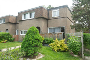 ►▼◄ 3 Bedrooms | 2 Washrooms Town House For Sale ►▼◄ OPEN HOUSE