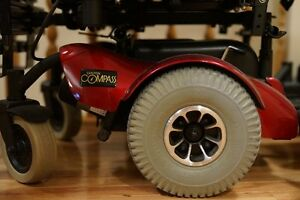 Compass Mid-Wheel Drive Power Wheelchair Strathcona County Edmonton Area image 5