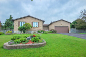 Reduced Price! 2200 sqft home with 3+1 bdrms!