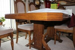 Dining room table and 8 chairs,entertianment unit