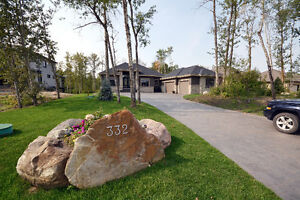 IMMACULATE ESTATE HOME MINUTES FROM SHERWOOD PARK