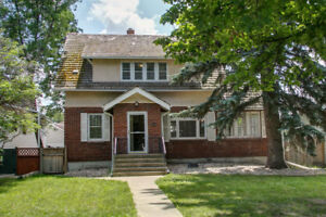 Stunning 3 bdrm character home beside UofA - newly renovated