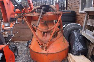 Épandeur à grains pour tracteur Kubota M125x