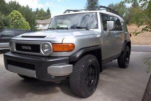 2007 Toyota FJ Cruiser $16,500OBO