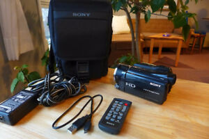 Sony HDR XR 550  MINT CONDITION