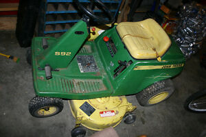 John Deere riding mower S92