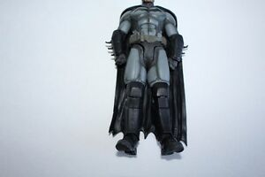 Batman Arkham Origin Collectible ( lightly used) London Ontario image 6
