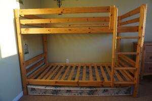 Lit 2 étages en bois