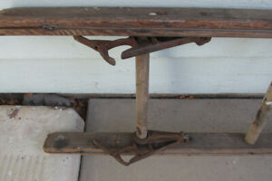 14 ft ladder, older wood type. good condition