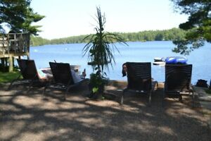 Last Minute Special for lakefront cottage rental in Kawarthas