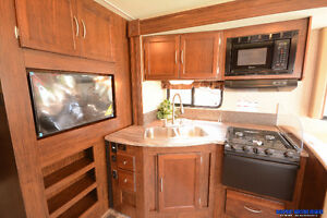 Contact for Clear Out Price* New 2016 Coachmen Pursuit 29SB London Ontario image 11