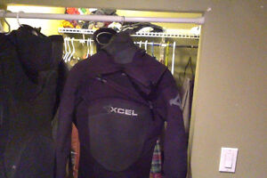 Large 5/4 Excel Surf Wetsuit, Used