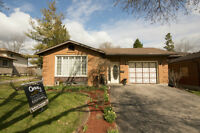Bungalow For Sale in a Great Area of Kitchener Close to 401!