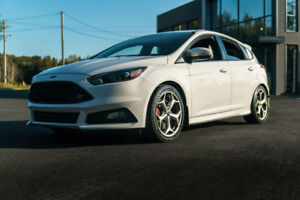 Ford Focus ST 2017 Oxford White