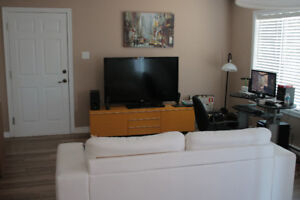 Gorgeous 5 1/2 for rent, New Renovated Kitchen FOR JUNE