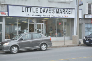 LARGE COMMERCIAL STORE FOR RENT $1750.00AVAILABLE DECEMBER 1ST