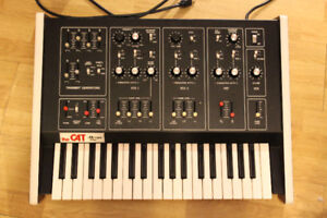 Octave Cat Duophonic Analog Synthesizer