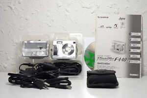 Fujifilm Finepix F440 digital camera - used