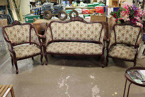 Victorian Parlour Set from 1920's including settee and 2 chairs