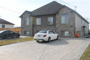 4 Bedroom Luxury Home with Full Bathroom in every room!