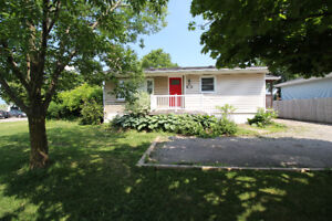Detached 3-Bed house for Lease in Stoney Creek