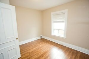 Great one bedroom with large kitchen, front porch for Dec.1 Peterborough Peterborough Area image 3