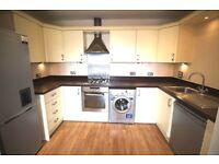 2 bedroom flat in Green Lane, Morden, Surrey, SM4