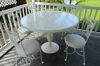 HAUSER Vintage Wrought Iron Pedestal Table & 4 Chairs