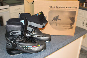 Salomon Active 8 Skate boots