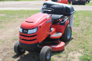 Lawn Tractor | Kijiji in Renfrew County Area  - Buy, Sell & Save