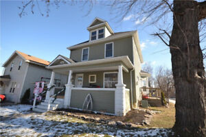 Niagara Falls 3-bed House for rent, oversees USA