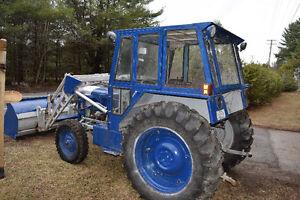 Superbe tracteur Fordson Super Dexta