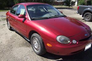 1996 Ford Taurus Sedan