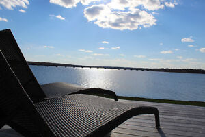 Relaxing Waterfront Vacation Home. Last minute Promo!