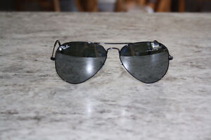 Ray Ban AVIATOR Sunglasses............ MINT!!  MINT!!