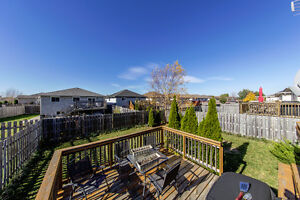 New Listing in East Windsor Windsor Region Ontario image 16