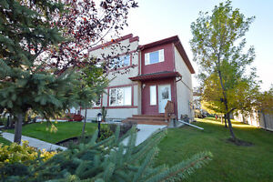 TOWNHOUSE LIVING IN LINDEN WOOD - OPEN HOUSE: OCT 16 12PM - 2PM