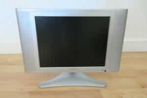 AudioVox TV DVD combo - 15""