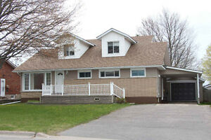 90 GRANDHAVEN CRES - HOME WITH SPACE TO RENT OR INLAW SUITE