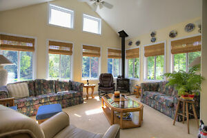 BEAUTIFUL HOME WITH PRIVATE BEACH ACCESS NEAR BANCROFT, ON Peterborough Peterborough Area image 7