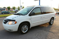 2003 Chrysler Town & Country Limited AWD TRES PROPRE