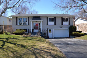 Open House - 383 Carrie Cres! Saturday May 7th 2-4pm