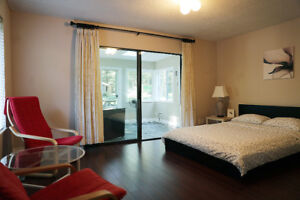 South surrey comfortable room, independent washroom now for rent