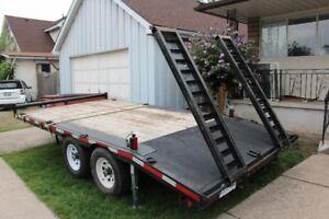 80$ a day  Flat deck trailer service