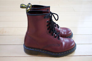Dr. Martens Red 8-Eye Leather Boots Ladies 6/Men's 5 - Worn Once