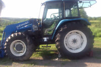 TL 90 4x4 New Holland Tractor with cab