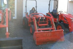 2007 KUBOTA B7800 TRACTOR WITH LOADER