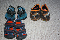Boys size 7/8 toddler sandals/slippers